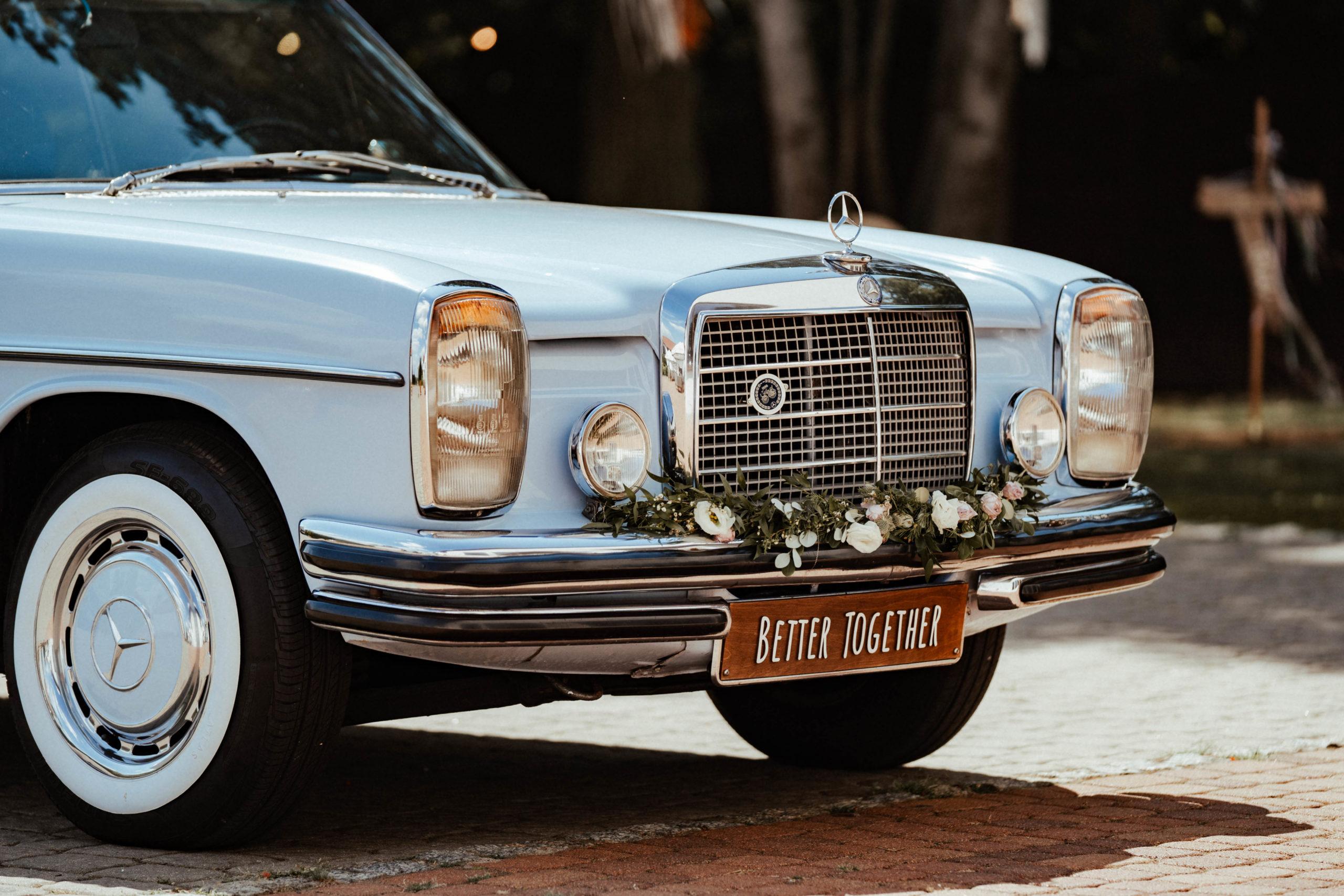 Coś starego, niebieskiego i pożyczonego – czyli o samochodach ślubnych słów kilka