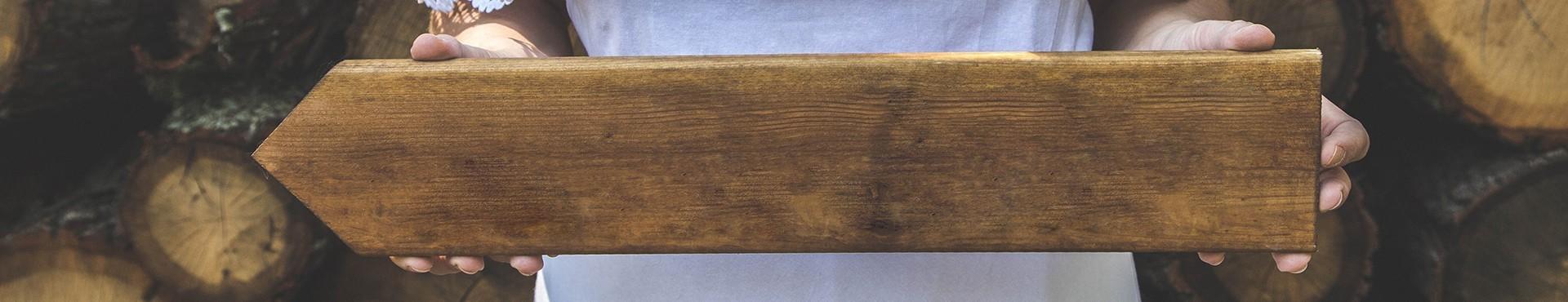 Drewniane dekoracje na Dzień Babci i Dziadka