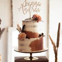 Topper personalizowany ♡  #topper #toppercake #cake #imiona #paramloda #wedding #mążiżona #nowożeńcy #handmade #toppers #napisnatort #tort #tortweselny #weddingcake #dekoracje #dekoracjeslubne #dekoracjeweselne #wesele #ślub #bohowedding #rustykalnewesele