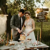 Nowy topper już niedługo dostępny na naszej stronie.  Uwielbiamy krojenie tortów na weselach! A Wy macie ulubione momenty podczas wesela?   #wesele #wesele2021 #weselezklasa #ślubodpierwszegowejrzenia #ślub #topper #toppercake #topperpersonalizado #personalizacja #mążiżona #mąż #żona #justmarried #nowożeńcy #paramloda #drewno #rustykalnewesele #rustykalnedekoracje