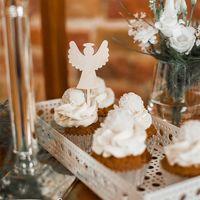 Komunia Święta to ważne wydarzenie w życiu każdego dziecka.  Spraw aby była jeszcze bardziej wyjątkowa!  ________________________________________ #komuniaświęta #komunia #pierwszakomunia #dziecko #aniołek #drewno #dekoracjedrewniane #wood #girl #boy #ważnewydarzenie #hostia #topper #minitopper #cake #slodkistol #candybar