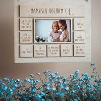 Mama będzie wzruszona takim prezentem! Wasze wspólne zdjęcie i personalizacja całego produktu! ♡ Podaruj Mamie w tym roku coś wyjątkowego!  ________________________________________ #mama #dzienmamy #motherday #prezent #personalizacja #drewno #fotografia #motheranddaughter #love #happy #miłość #pamiatka #wood #wykatkowydzien #26maj #wyjatkowamama ♡