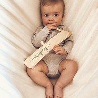 Dzieci szybko rosną... @ojstasiu ♡  ________________________________________ #baby #babyboy #dziecko #chlopiec #malychlopiec #siedemmiesięcy #siedemmiesięcyszczęścia #siedemmiesiecyrazem #miłość #staś #instababy #mama #mamaisyn #całyświat #radość #drewno #drewnianecyfry #drewnianemiesiące #tabliczkzmiesiącami #małestópki #małerączki #rośniemy #drewnianedekoracje ♡