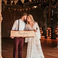 Pierwszy weselny weekend za Nami!  Dziś pakujemy Wasze zamówienia na przyszły tydzień, sprawdźcie jutro maila ♡  #wesele #ślubodpierwszegowejrzenia #ślub #slubneinspiracje #wesele2021 #rustykalnewesele #rustykalnyslub #mążiżona #mąż #żona #justmarried #nowożeńcy #wedding #weddingday